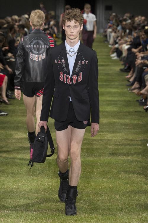 Nhung thieu nen lich lam va quyen ru duong tao nen chat rieng cho Dior Homme