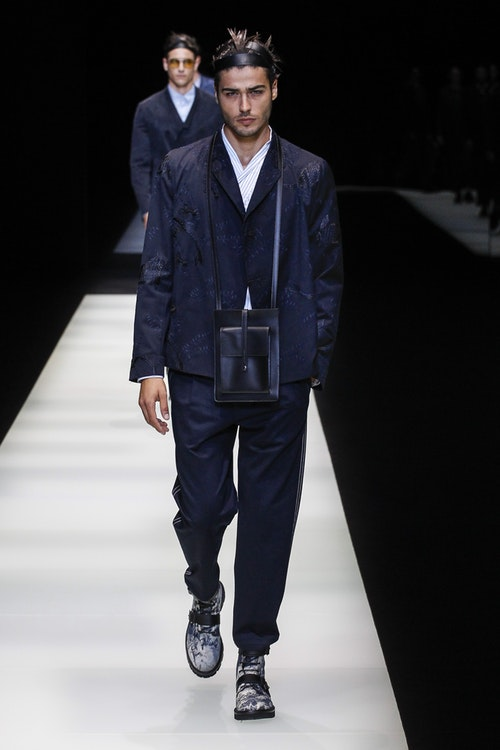 Emporio Armani mang den hinh anh ve sumurai hiện đại