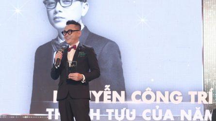 Nhà thiết kế Công Trí đoạt giải Thành tựu của năm tại ELLE Style Awards 2017