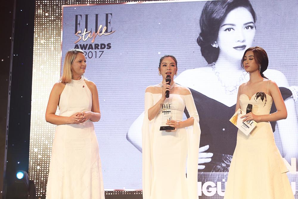 Lý Nhã Kỳ nhận giải Người phụ nữ của năm