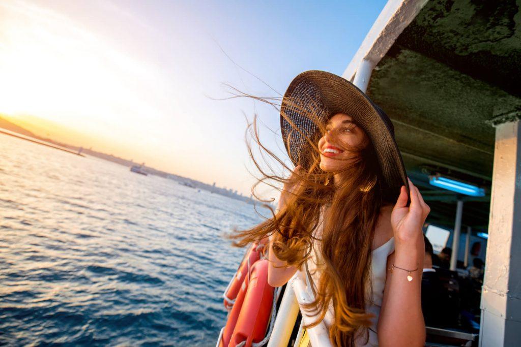 cô gái du lịch một mình