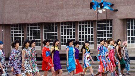 BST thời trang Xuân-Hè 2018 của Kenzo: Chân dài Châu Á độc chiếm sàn diễn