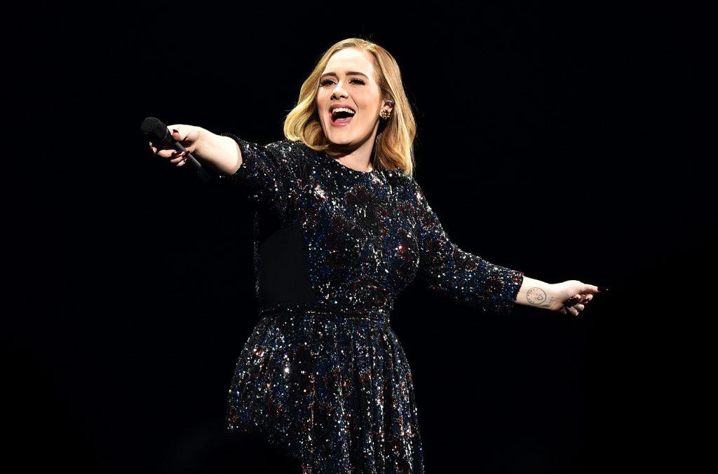 Adele không thực hiện hay tham gia bất kì tour diễn quốc tế nào nữa.