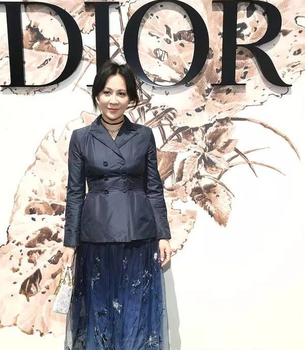Christian+Dior+Photocall+Paris+Fashion+Week_luu gia linh