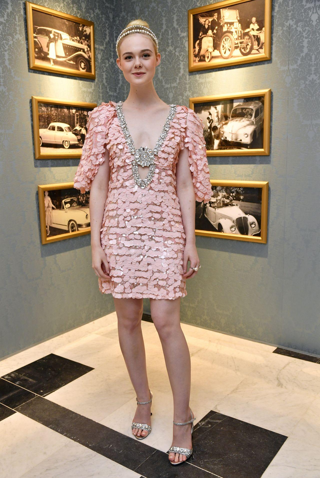 phong cach thoi trang haute couture 2018 - elle fanning - elle vietnam 1