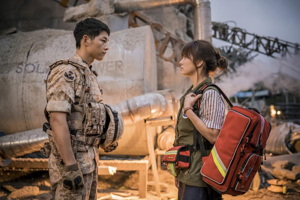 Song Joong Ki va Song Hye Kyo - elle vietnam 6