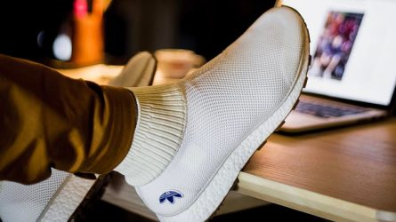 Những đôi giày thể thao công nghệ knit tuyệt vời dành cho mùa Hè