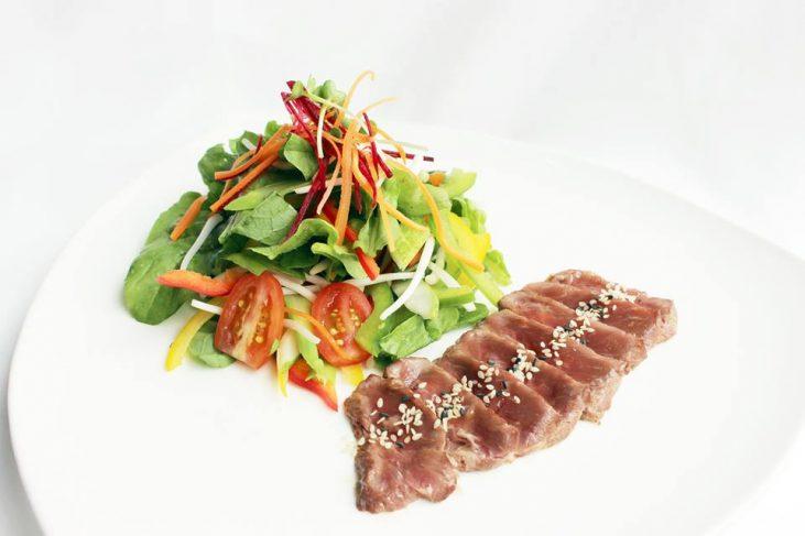 """Hương vị ẩm thực tháng 7 xứ """"Củ Sâm"""" tại Moevenpick Hanoi"""