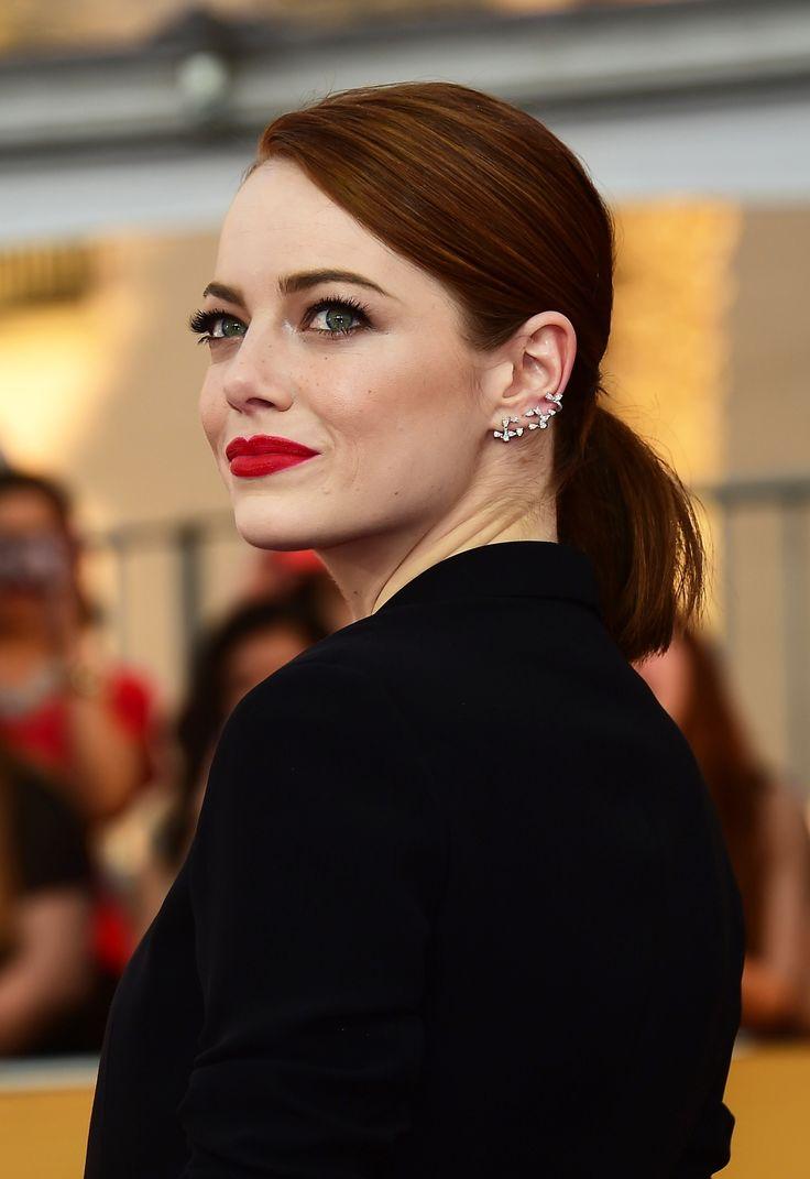Các ngôi sao trên thế giới cũng áp dụng mẹo son đỏ của những quý cô Pháp