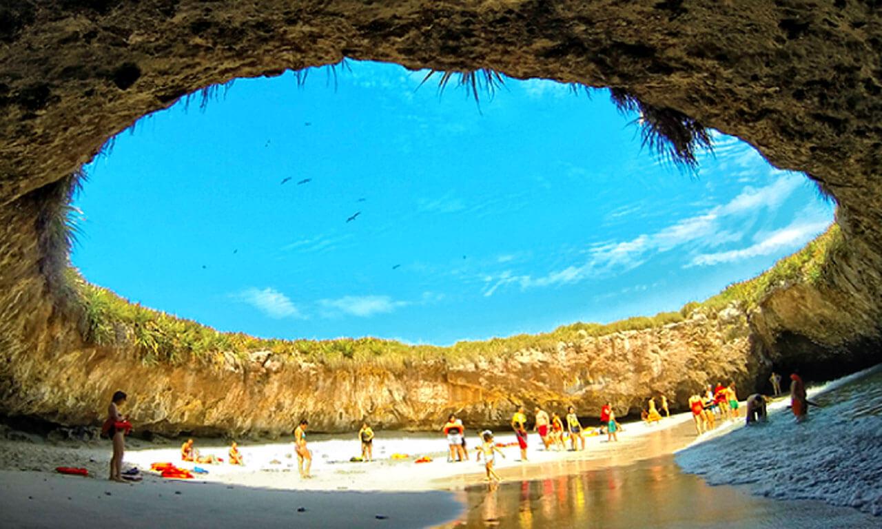 1. Bãi biển Playa del Amor, Mexico