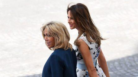 Phu nhân Melania Trump mặc gì khi gặp phu nhân Brigitte Macron?