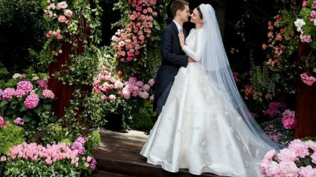 Miranda Kerr tiết lộ váy cưới tuyệt đẹp sau 2 tháng kết hôn