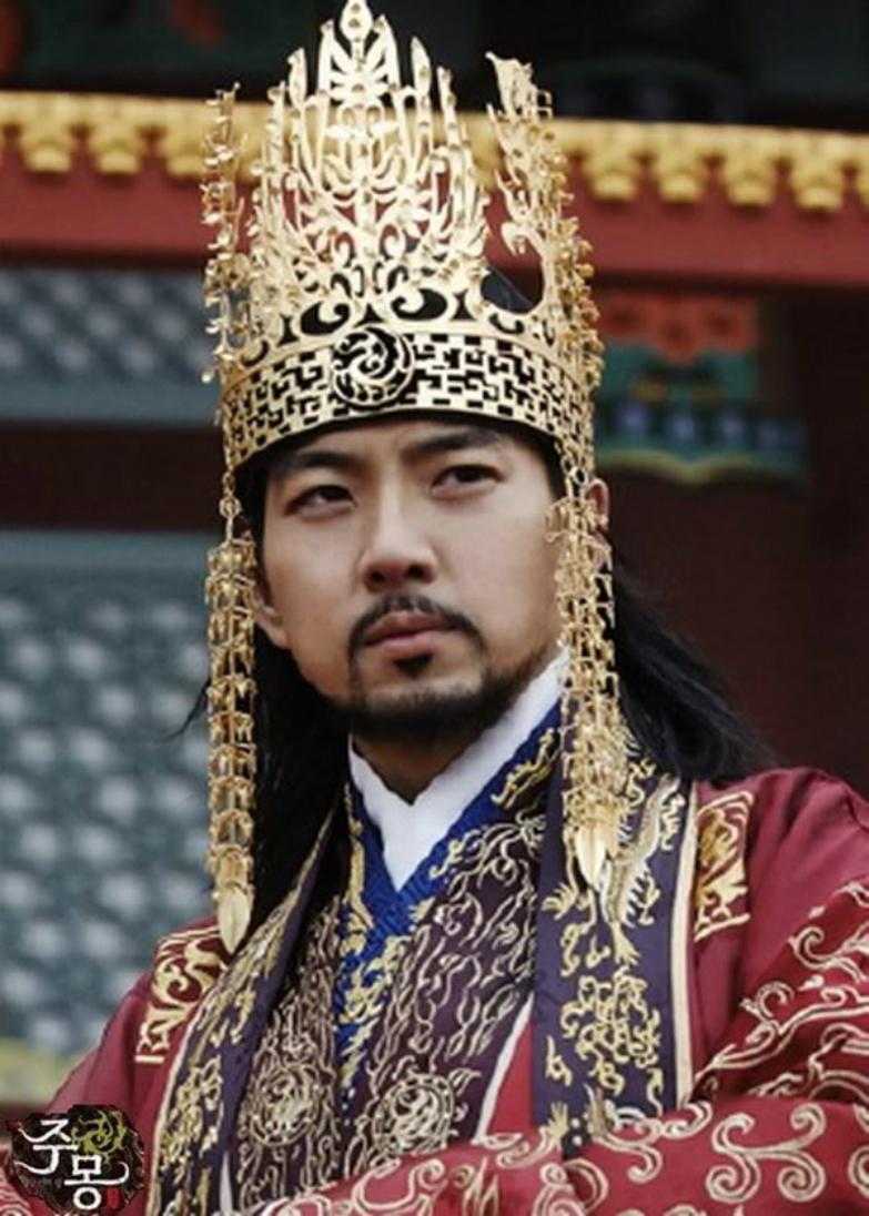 Tuy đã đóng kha khá bộ phim, nhưng đến Truyền thuyết Jumong thì Song Il Kook mới tạo được dấu ấn mạnh mẽ trong lòng khán giả.