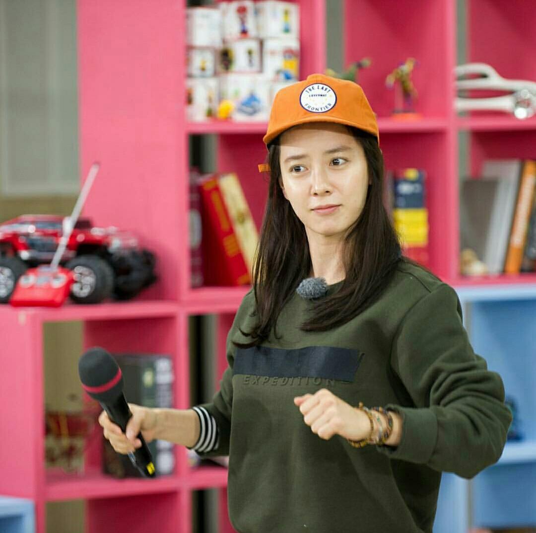 """Cái tên Song Ji Hyo thu hút sự chú ý của người hâm mộ và các nhà làm phim hậu Jumong. Cô còn được biết đến là """"át chủ bài"""" của chương trình Running man."""