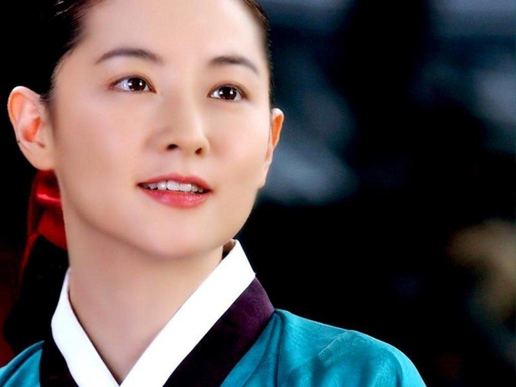 """Lee Young Ae đã """"thổi hồn"""" vào nhân vật Dae Jang Geum trong lịch sử trở nên sống động hơn bao giờ hết."""