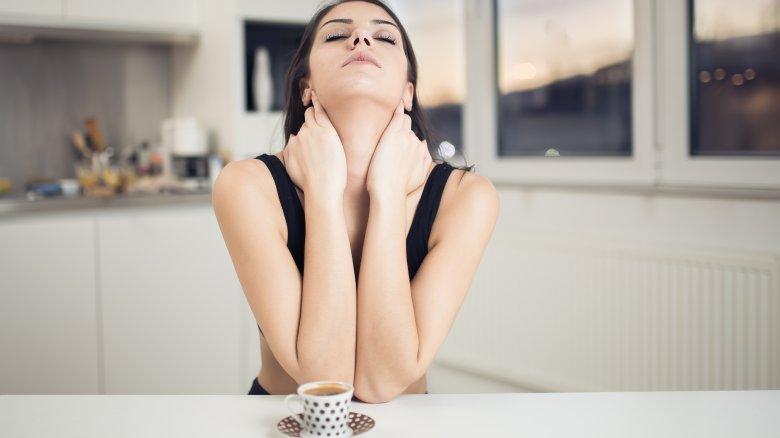 Những cơn lo lắng ập đến là hậu quả khi tác dụng của caffein không còn