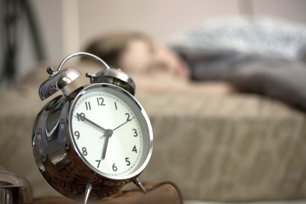 Người thành công luôn đặt giờ thức dậy mỗi tối trước khi ngủ