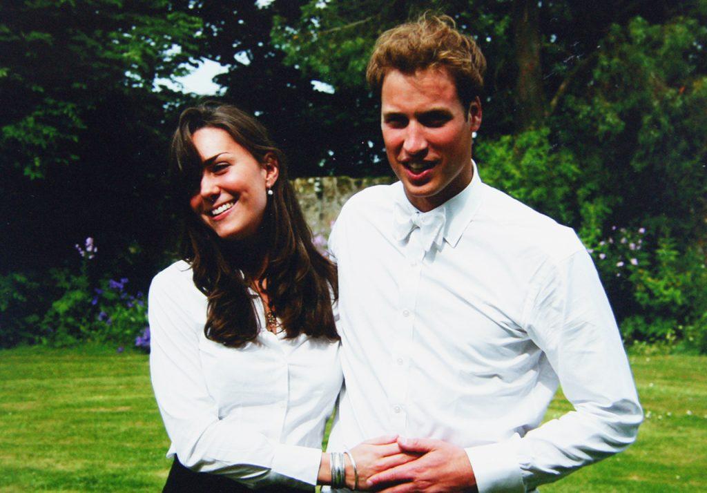 Will phải lòng Kate khi xem cô sải bước trên sàn catwalk trong một chương trình thời trang của trường