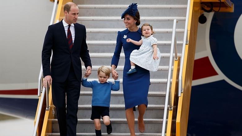 Kate đã chứng minh điều ngược lại khi cô kiên quyết nói không với những chuyến đi công tác xa nhà vì chăm sóc bọn trẻ vẫn là bổn phận hàng đầu của cô.