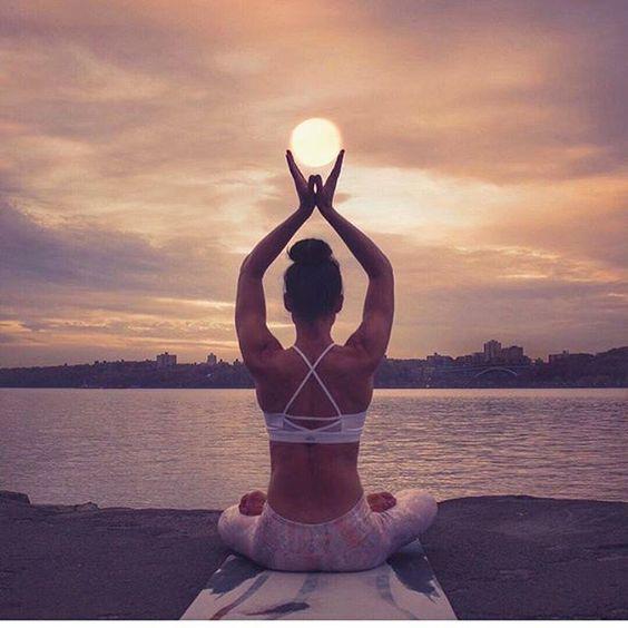 Ngồi thiền giúp cơ thể tịnh tâm, giải tỏa những căng thẳng sau một ngày dài vất vả