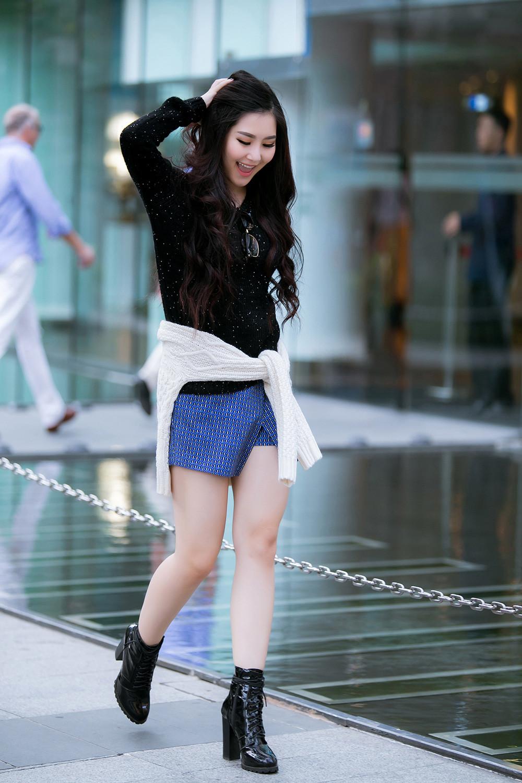 Không hề tự ti với cặp đùi to, item street style yêu thích của cô là skorts và váy dáng suông.