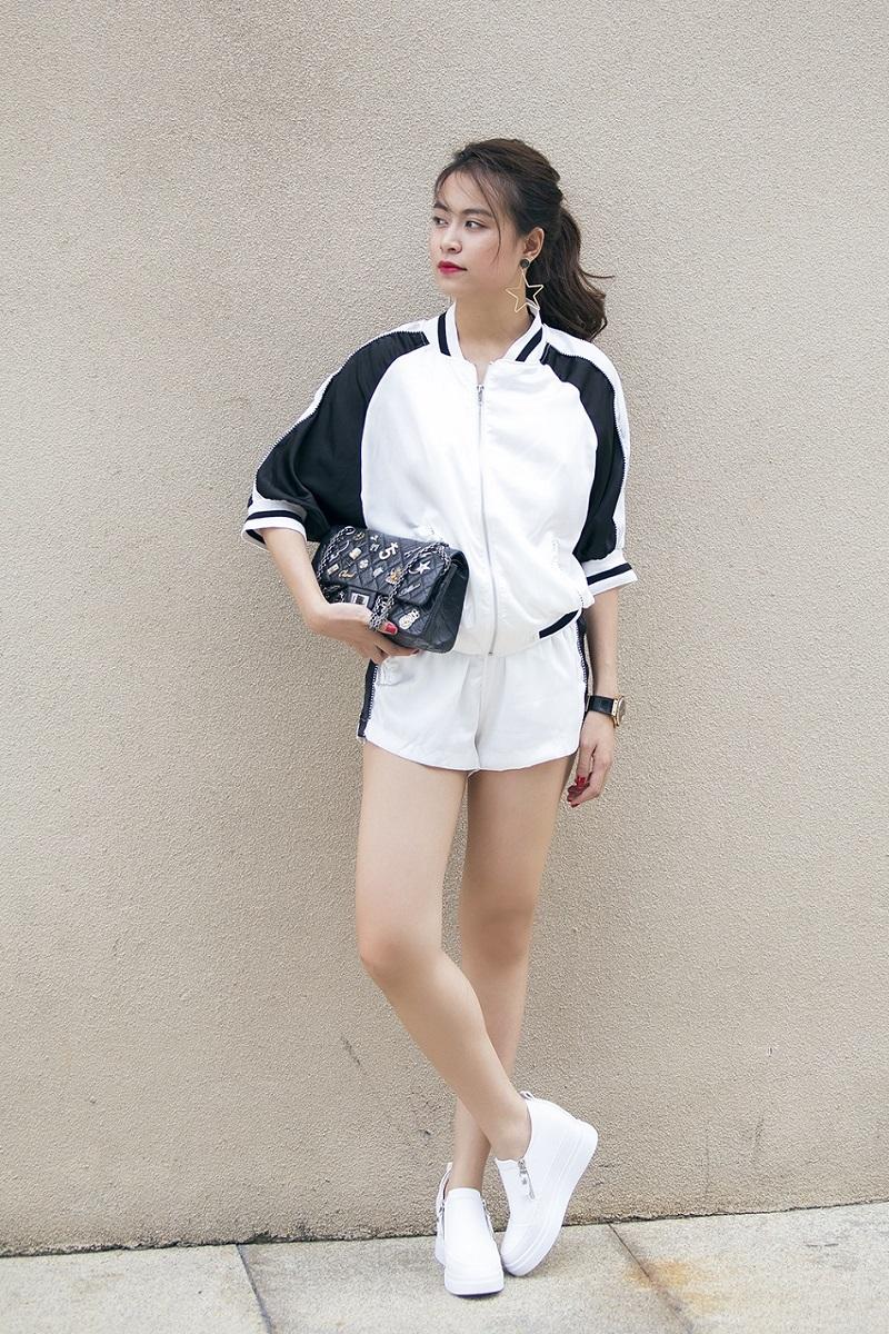 Hoàng Thùy Linh là sao Việt sở hữu tủ quần áo mà bất kể cô nàng đùi to nào cũng mơ ước.
