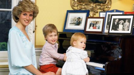 Khoảnh khắc xúc động trong thước phim tài liệu về Công nương Diana