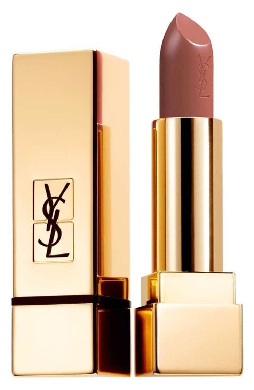 Thỏi son Yves Saint Laurent Rouge Pur Couture màu nude ngọt ngào mang tính toàn cầu - phù hợp với mọi sắc da nhờ vào sự phối màu hài hòa giữa tông lạnh và tông nóng