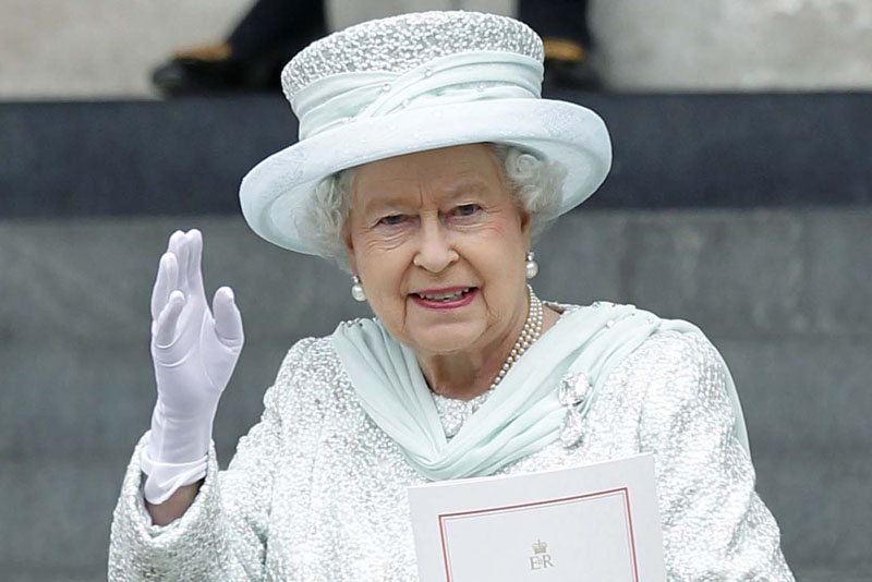 Queen and Gloves