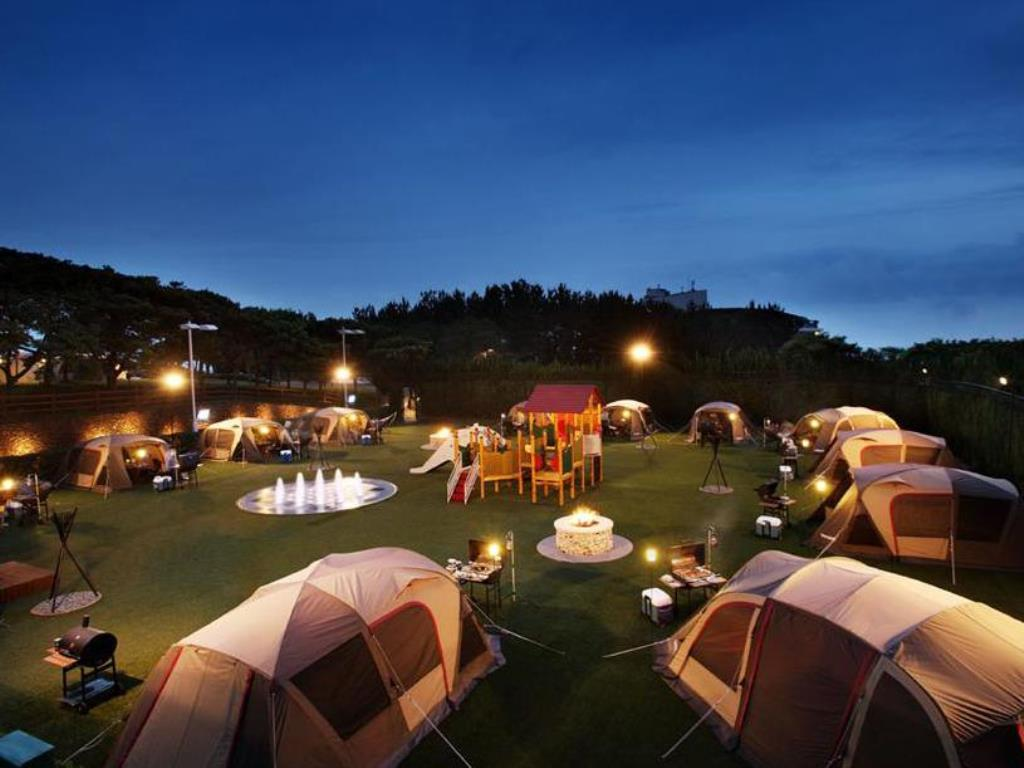 Khu vui chơi và cắm trại giành cho các gia đình đi nghỉ mát.