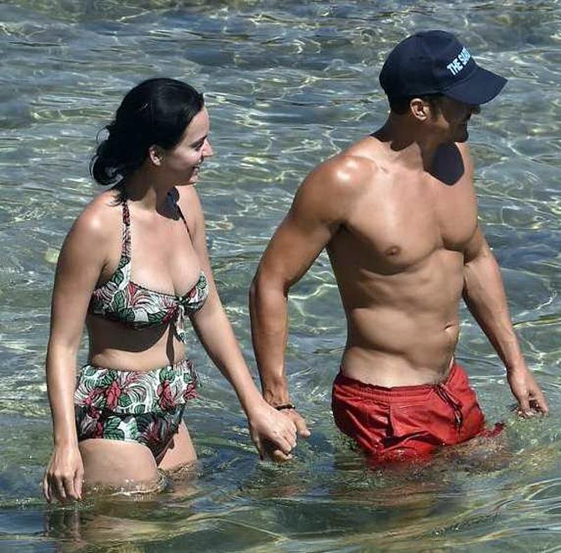 """Katy Perry """"yêu lại từ đầu"""" nam diễn viên điển trai Orlando Bloom"""