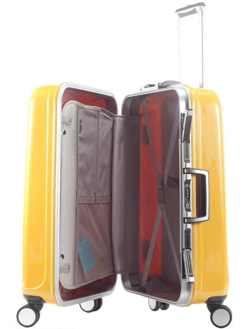 Vali đến tự nhãn hiệu Lasole cũng được xem là một trong số những loại vali chất lượng cao. Hãng không chỉ đầu từ về mặt thiết kế mà còn vô cùng tâm huyết với chất lượng bên trong của sản phẩm