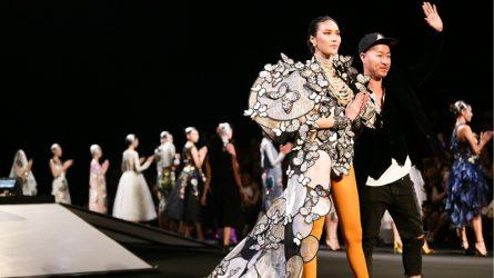 Cuối cùng, NTK Võ Công Khanh đã có show thời trang của riêng mình