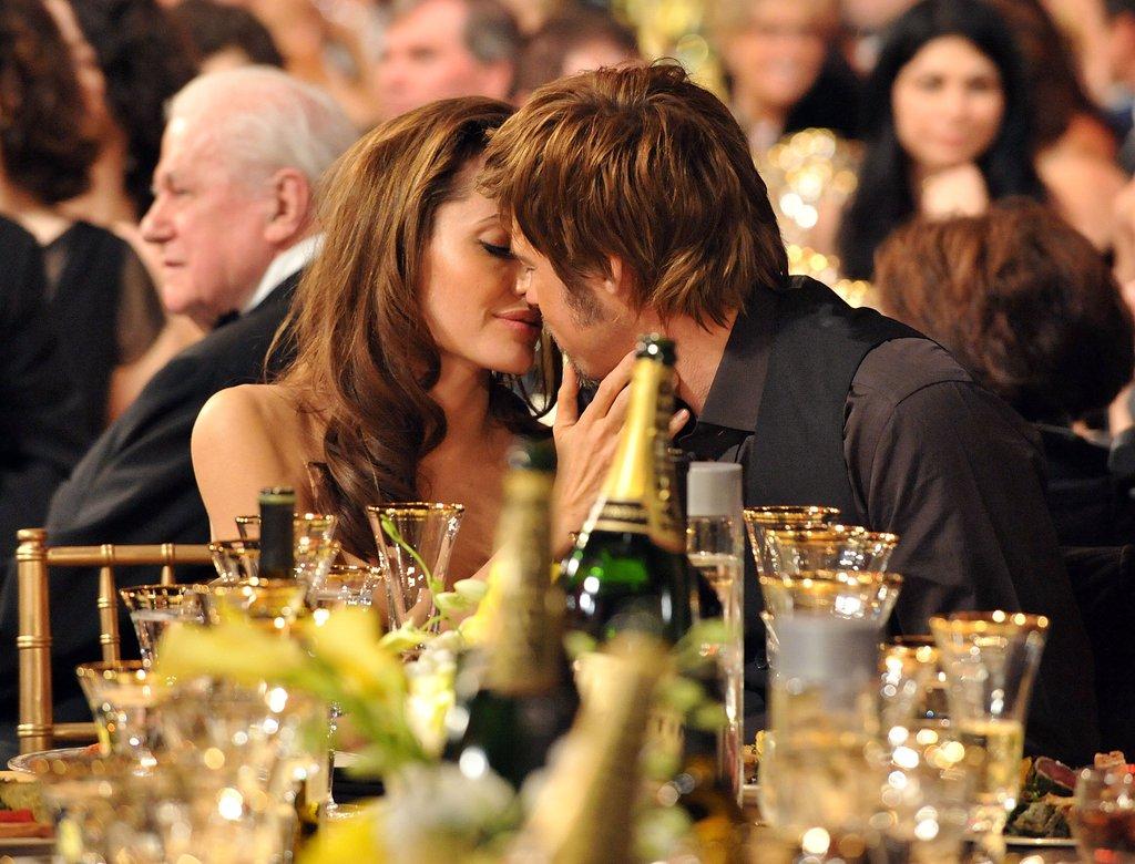 Angelina Jolie hon brad pitt