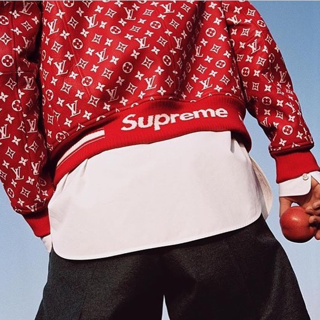 Bộ sư tập SupremexLouis Vuitton đầy thành công đánh dấu sự hợp tác của Louis Vuitton và Supreme