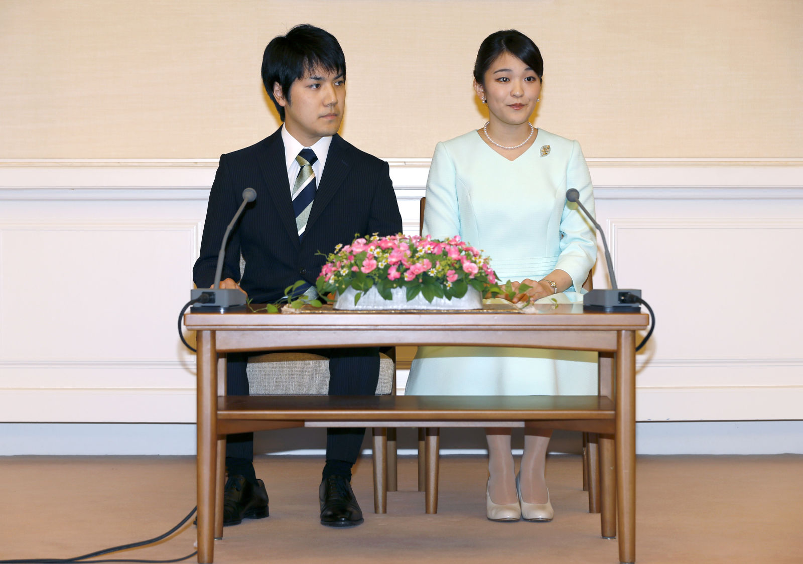 Lễ cưới hoàng gia lãng mạn như ngôn tình giữa công chúa Nhật Bản Mako và Kei Komuro