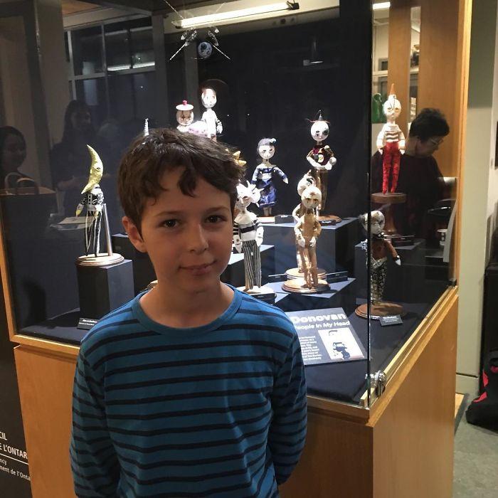 Chân dung cậu bé có năng khiếu nghệ thuật và đam mê điêu khắc từ khi còn nhỏ
