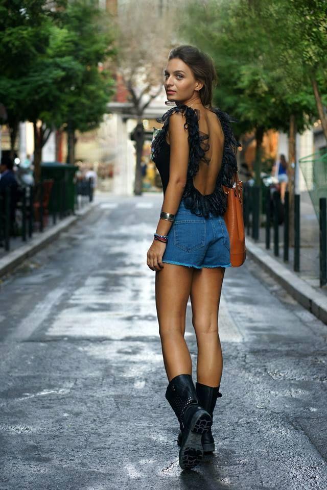 Elle style calendar_phoi do phong cach voi ao bodysuit_anh pinterest