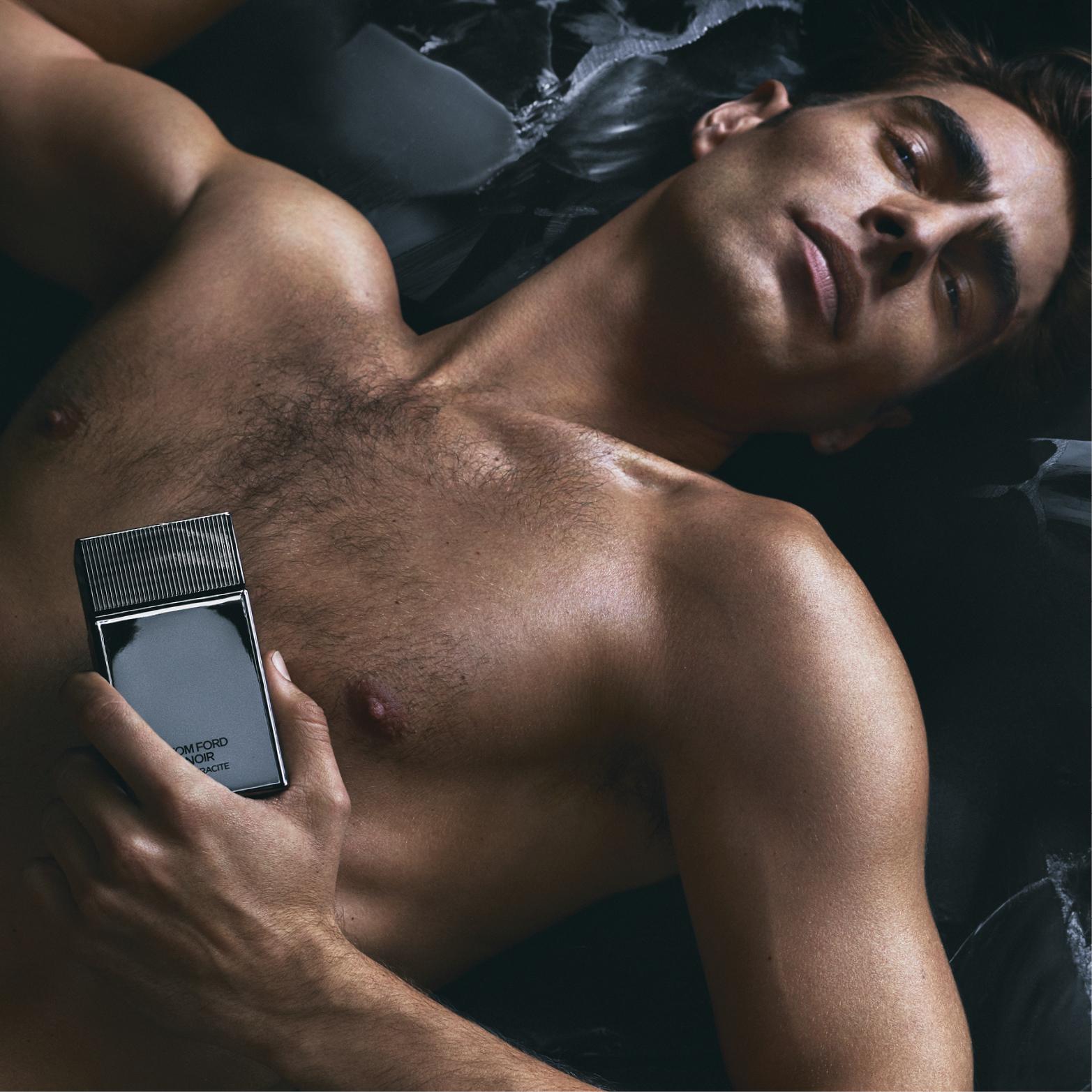 Tom Ford: Đàn ông ngủ với đàn ông không thể quy kết là gay