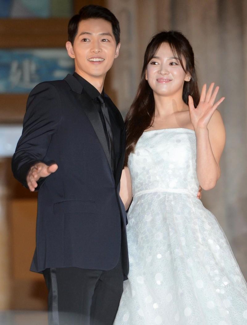 song joong ki song hye kyo - elle vietnam