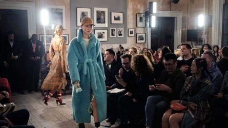 Naomi Campbell và Kate Moss sánh đôi ở hàng ghế đầu của Burberry London Fashion Week 2018