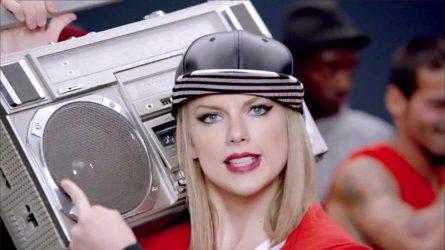 Taylor Swift bị kiện vì đạo ý tưởng lời bài hát Shake It Off