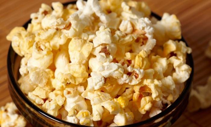 Bắp rang- Món ăn khoái khẩu của nhiều người khi đi xem phim lại chứa một lượng calo vô cùng khổng lồ