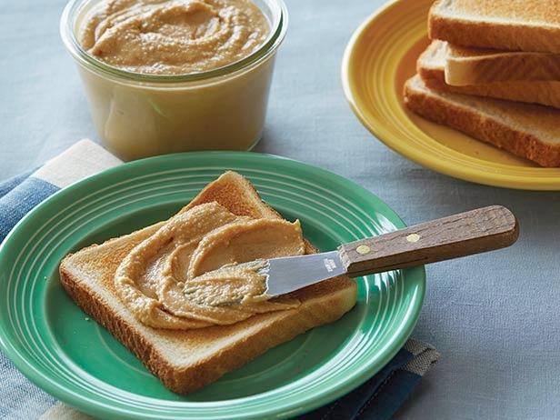 Bơ đậu phộng giúp bổ sung lượng chất đạm cho cơ thể