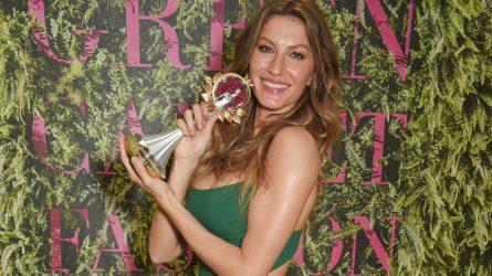 Siêu mẫu Gisele Bundchen chiến thắng tại Green Carpet Fashion Awards 2017 ở Italy
