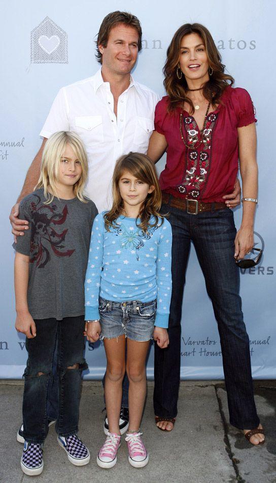 Gia đình Cindy Crawford được ngưỡng mộ bởi vẻ đẹp siêu mẫu