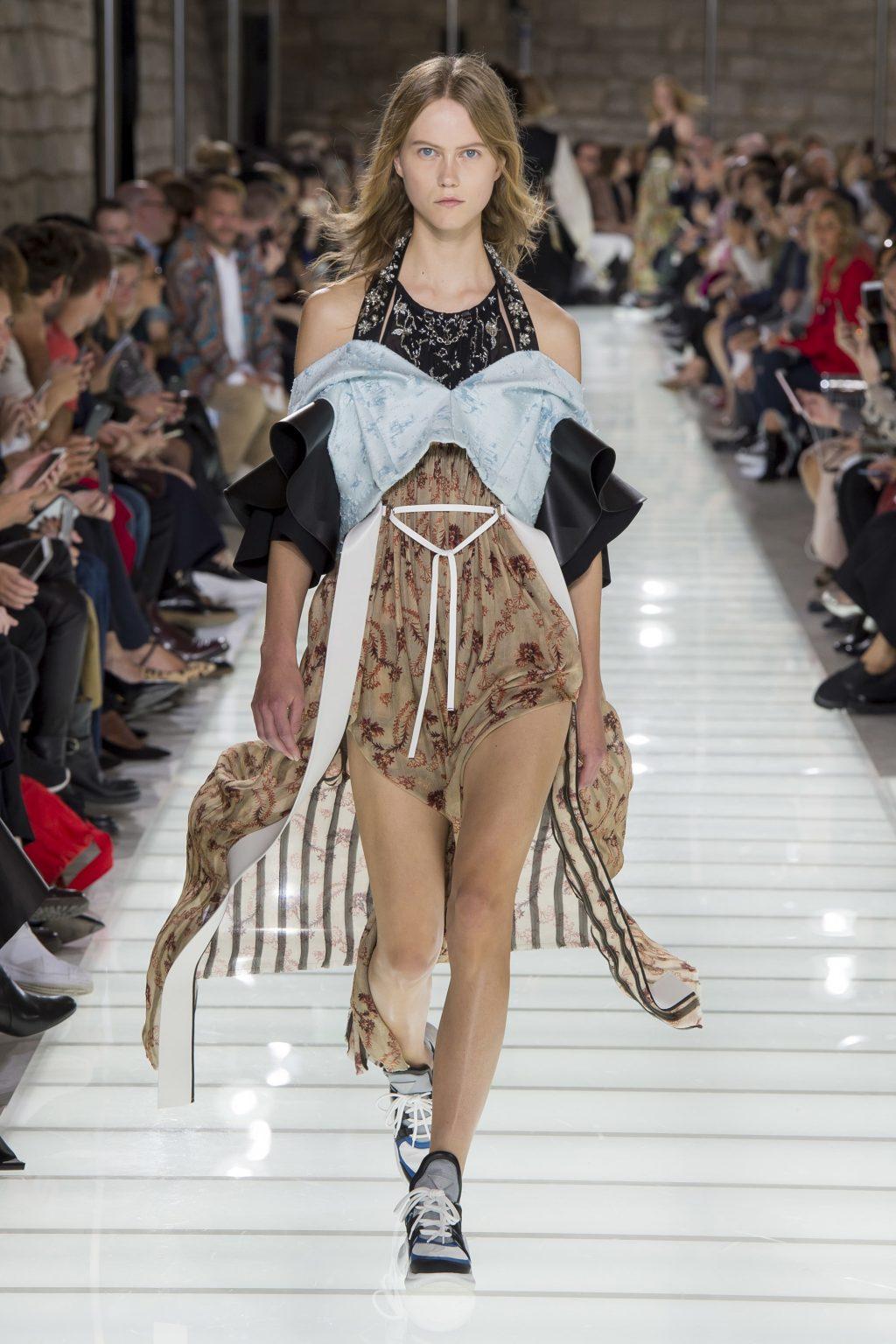 3d4ddf2a9eb5d Bộ sưu tập Xuân-Hè 2018 của Louis Vuitton hội tụ đầy đủ các yếu tố  thời  trang