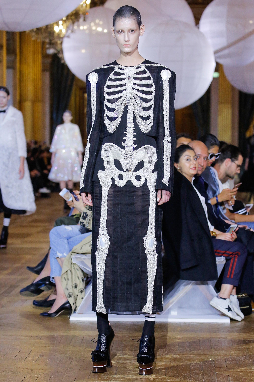 Paris Fashion Week 2018: Cổ tích đại dương trong BST mùa xuân của Thom Browne