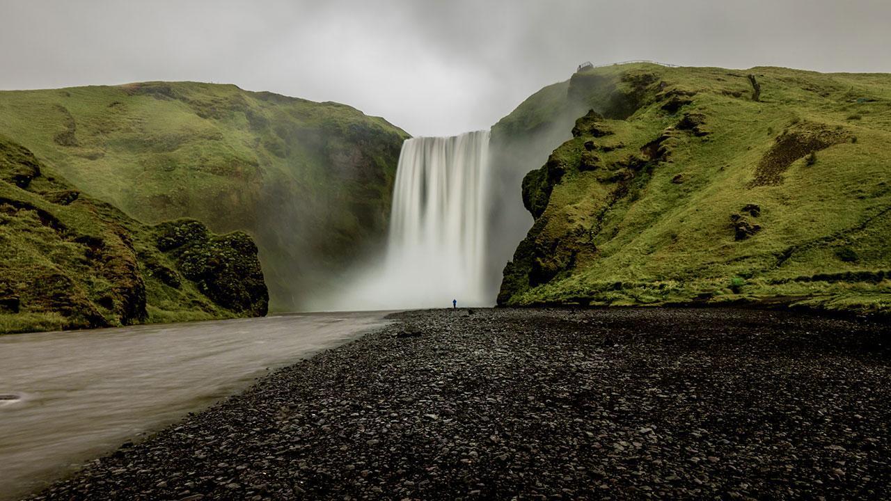 du-lich-nghi-duong-Iceland_elle-man-18