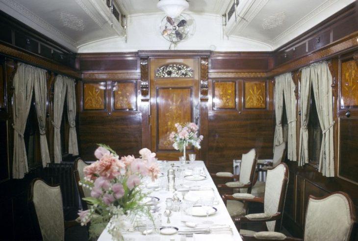 Chiêm ngưỡng tàu hoả xa hoa của Hoàng gia Anh - ELLE Việt Nam